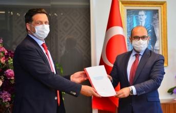 Nissan'dan Başakşehir Çam ve Sakura Şehir Hastanesi çalışanları için araç tahsisi