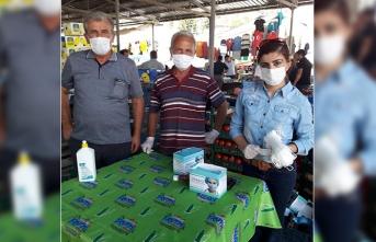 CHP'de Maske Dağıtımı Sürüyor