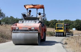 Beton yol çalışmaları Ahibaba Mahallesi'nde devam ediyor