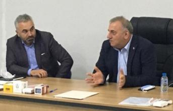 Mehmet Erdoğan, konge öncesi Serdivan İlçe Teşkilatı'nı ziyaret etti