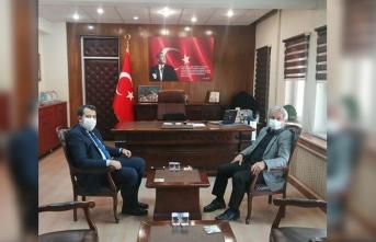 Sakarya İl Afet ve Acil Durum Müdürü Hüseyin Kaşkaş Taraklı Kaymakamı Özgür Kaya'yı makamında ziyaret etti