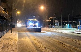 Arifiye Belediyesinin Kar Temizleme Çalışmaları Tüm Hızıyla Devam ediyor