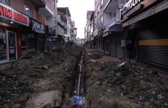 Akyazı'da altyapı çalışmaları aralıksız sürüyor