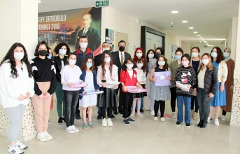 Yeşiltepe Ortaokulunda 23 Nisan Ödülleri Verildi.