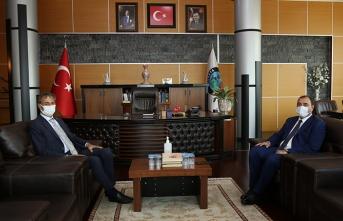 Vali Kaldırım'dan Başkan Alemdar'a Ziyaret