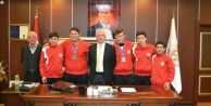 Dereceye Giren Sporcular Başkan İspiroğlu' nu Ziyaret Etti