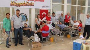 Kızılay Serdivan Belediyesi'nde 58 ünite kan topladı