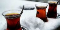 Pompacılardan sürücülere Çay İkramı