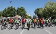 Vali Balkanlıoğlu, Trafik Haftası Etkinliklerinde Pedal Çevirdi