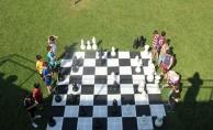 Satranç SGM bahçede oynandı