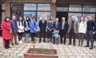 Karasu Kaymakamı Aziz Mercan, Karasu Belediyesi Sosyal Hizmet Merkezini Ziyaret Etti