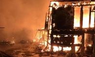 Karasu'da Çıkan Yangında 30 Dükkan kullanılmaz hale geldi