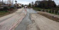 Bozuk yola beton takviyesi
