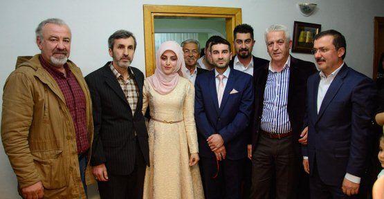 TRT Temsilcisi Karakaş, Oğlunu Nişanladı