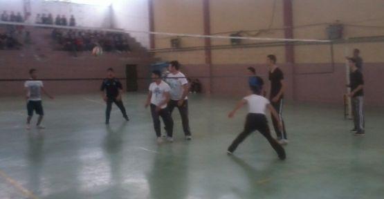 Voleybol'da şampiyon Abidin Serhoş
