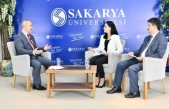 Rektör Savaşan Canlı Yayında Yeni Öğretim Yılına İlişkin Soruları Yanıtladı