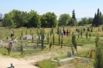 460 mezarlık bayrama hazırlanıyor