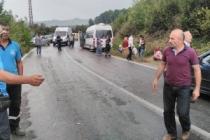Fındık İşçisi Servisi Kaza Yaptı 15 Yaralı