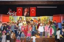 Çocuklar Kırmızı Başlıklı Kız ve Tweety İle Eğlendi