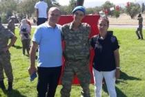 Askerden babasına videolu sürpriz