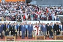 Başkan Ekrem Yüce'den başarılı öğrencilere istihdam müjdesi