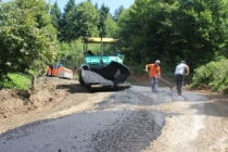 Hendek'te asfalt çalışmaları hızla devam ediyor
