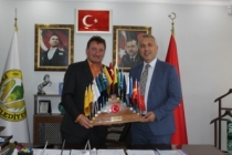 Başkan Babaoğlu'ndan Başkan Gündoğdu'ya ziyaret