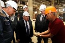 Vali Nayir'den Adapazarı Şeker Fabrikasına 66. Yıldönümü Ziyareti