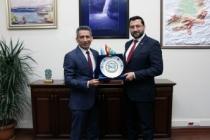 Başkan Burak'tan genel sekreter Ak'a hayırlı olsun ziyareti