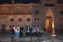 Ferizli'de başarılı öğrenciler geziyle ödüllendirildi