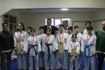 Karate il şampiyonasında dereceye giren sporculara ödülleri verildi