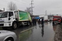 Zincirleme Trafik Kazası. Belediye Çalışanı Hayatını Kaybetti