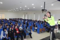 Çocukların Murat Ağabeyi Taraklı'da Lise Öğrencileri ile buluştu.