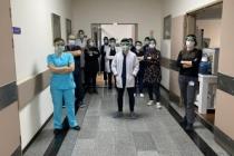 Becerikli Kaşifler sağlık çalışanlarının yanında