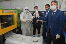 Koronavirüsle mücadele seferberliğine tüm plastik meslek liseleri katılıyor