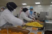 Türk Kızılay'ından karantina altındaki vatandaşlara 4 öğün yemek veriyor