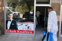 Arifiye'de Berberler ve Kuaförler Dezenfekte Ediliyor