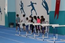 Kapalı Atletizm Pistinde Antrenmanlar Devam ediyor