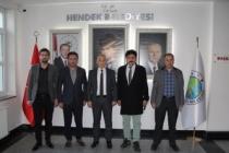 Bilim Adamları ve Mucitler; Hendek'te