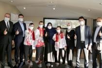Down Sendromlu Milli Sporculardan Eminevim'e Teşekkür Ziyareti