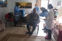 Huzurevlerinde kalanlar ile 90 yaş üstüne aşılama başladı