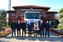 Sapanca Belediyesi'ne Yeni Çöp Kamyonu Hibe Edildi