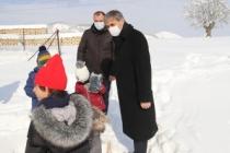 Vali Kaldırım ve Başkan Alemdar Çocuklarla Kartopu Oynadı