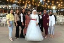Yeni Öğretmenevinde İlk Düğün