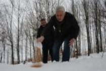 Belediye Başkanı, Hayvanlar İçin Doğaya Yem Bıraktı