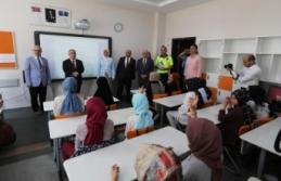 Öğrenciler Karnelerini Vali Nayir'in Elinden Aldılar