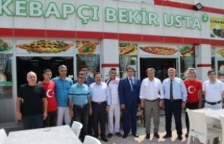 Vali İrfan Balkanlıoğlu'ndan Kebapçı Bekir...