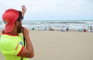 Karasu'da Denizde Dalga Var Girmeyin Uyarısı Yapıldı