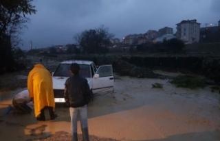 4 saatte metrekareye 80 kilogram yağış