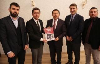 Sakarya GİAD Üyeleri Vali Balkanlıoğlu'nu Ziyaret...